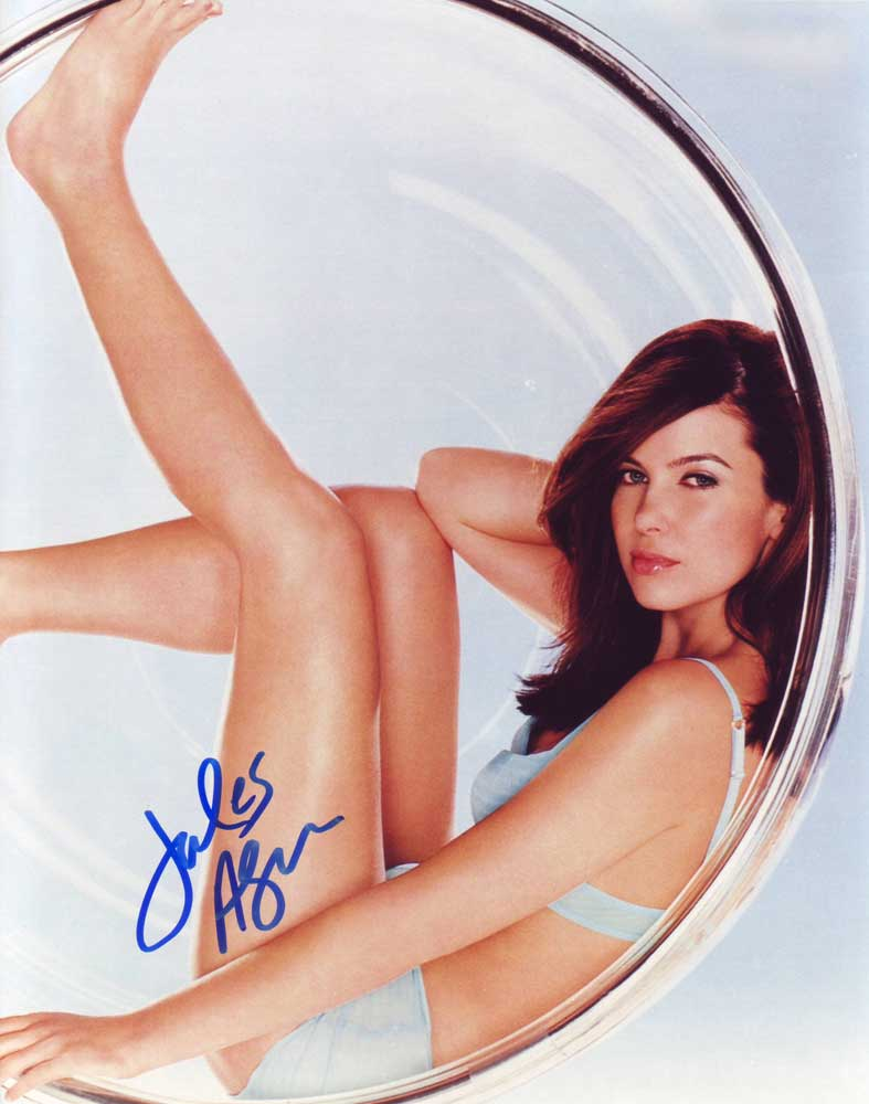 Jules Asner in-person autographed photo