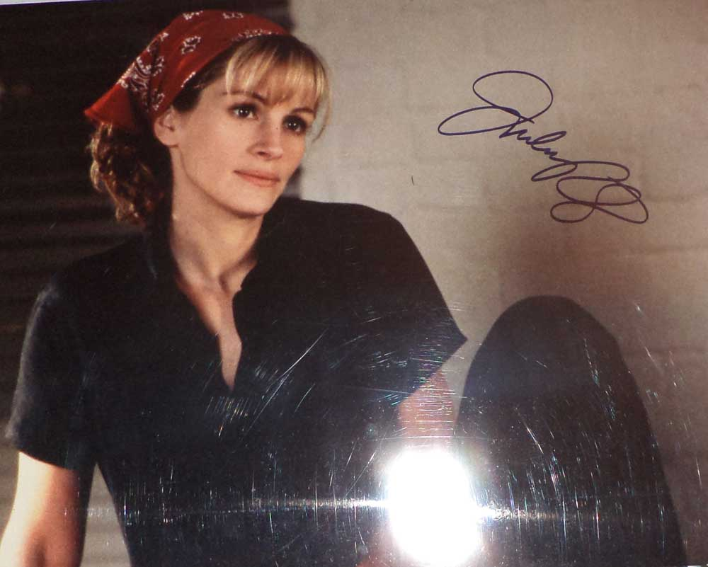 Julia Roberts in-person autographed 16x20 photo