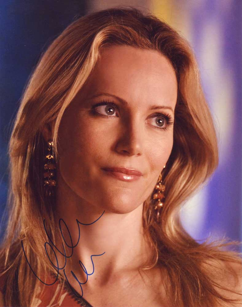 Leslie Mann in-person autographed photo