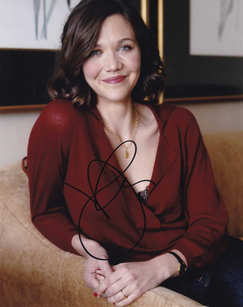 Maggie Gyllenhaal in-person autographed photo