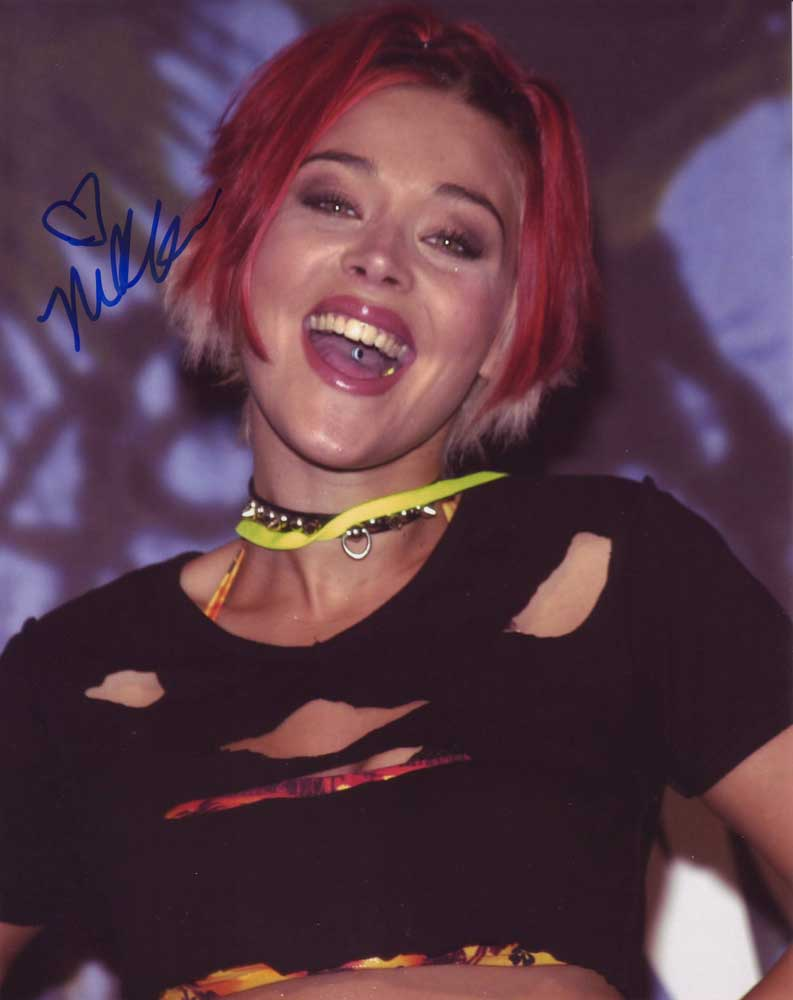 Nikki McKibbin in-person autographed photo