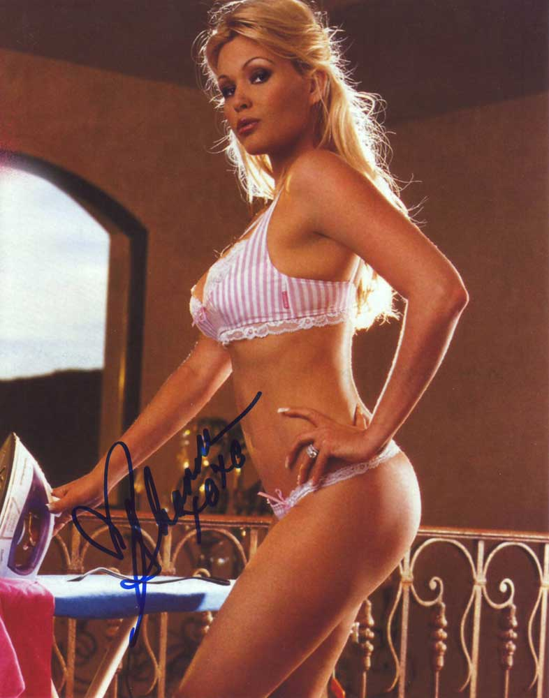Shanna Moakler in-person autographed photo